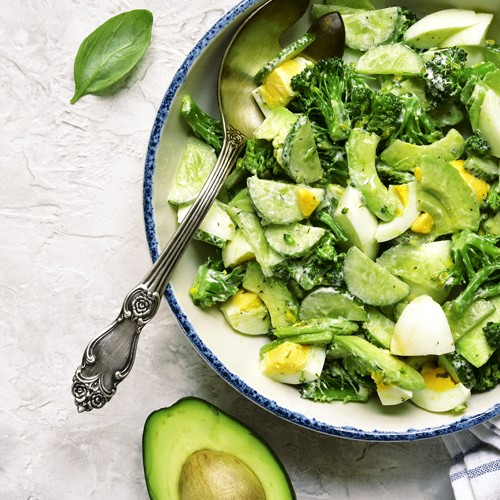 Green salad with steamed broccoli, avocado and boiled egg