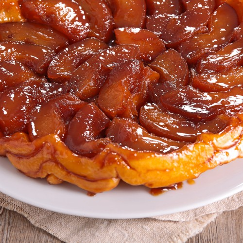 Tarte Tatin, maple syrup and cardamom